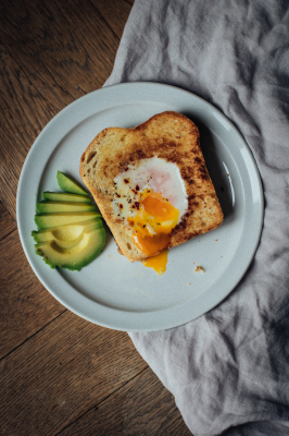 Toast egg-in-a-hole